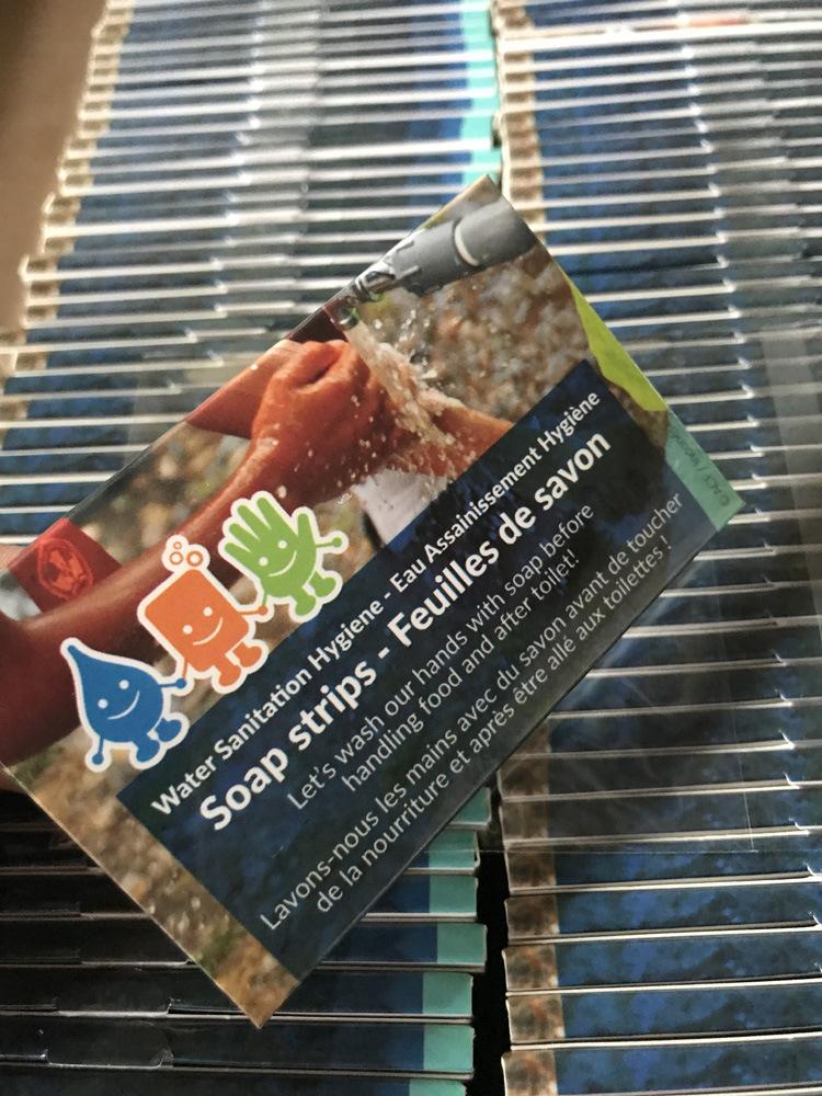 厂家生产礼品纸皂草本香型香皂纸清洁保湿一次性香皂片纸盒肥皂片